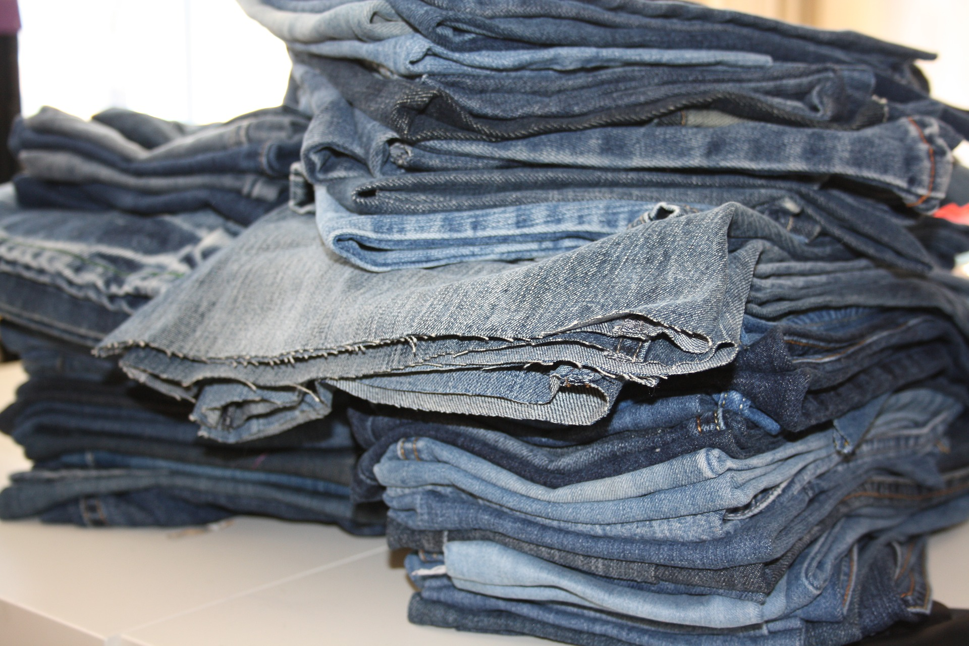 old-jeans-3589262_1920